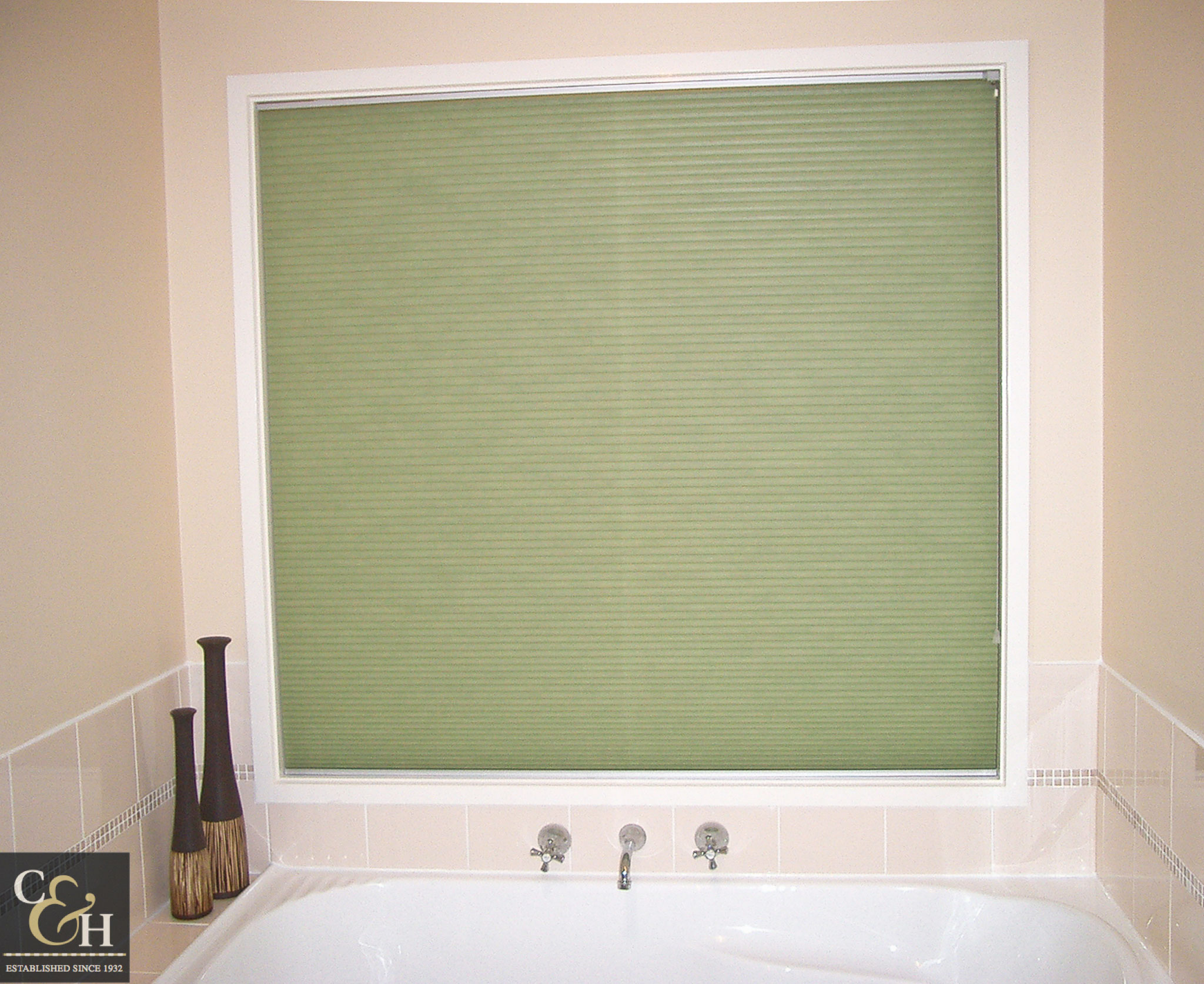 Honeycomb blinds 4 in a bathroom