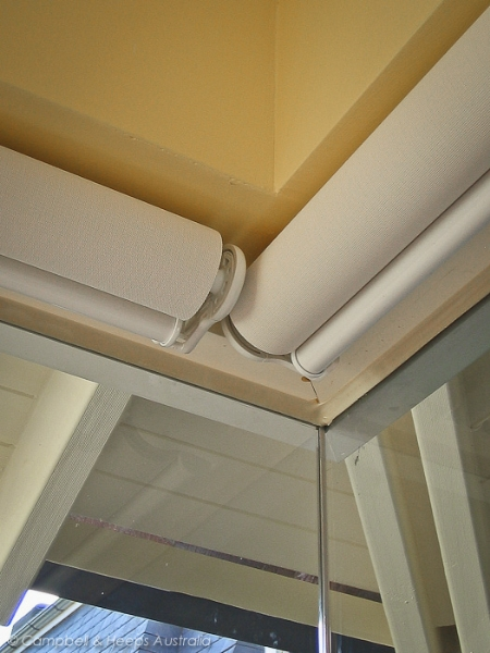 butt-and-through-roller-blinds-with-standard-roll