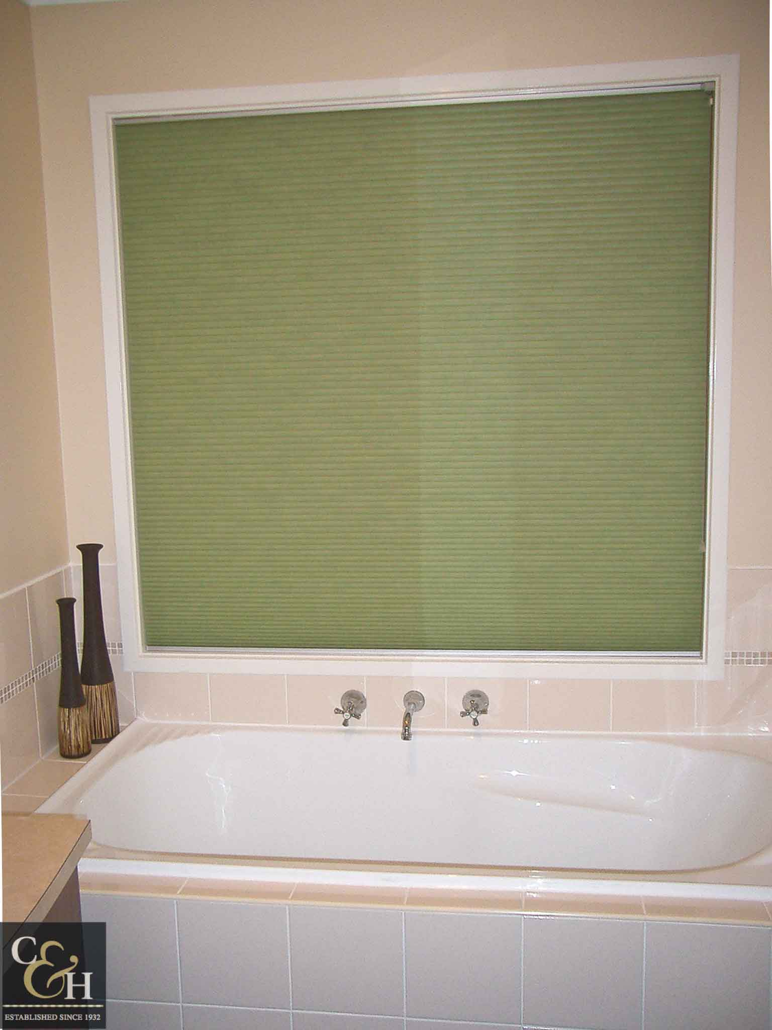 Honeycomb blinds 5 in a bathroom