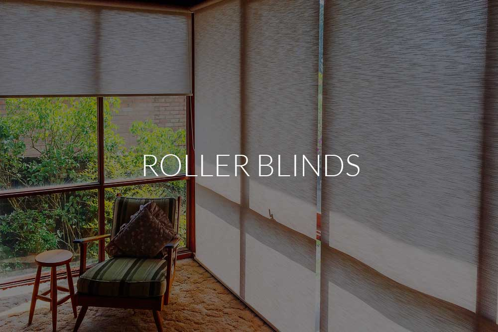 Roller blinds 2.1 inside a room.